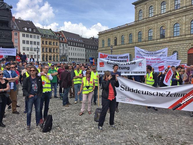 Blick auf den Max-Joseph-Platz in München. Bildquelle: Dagmar Lange