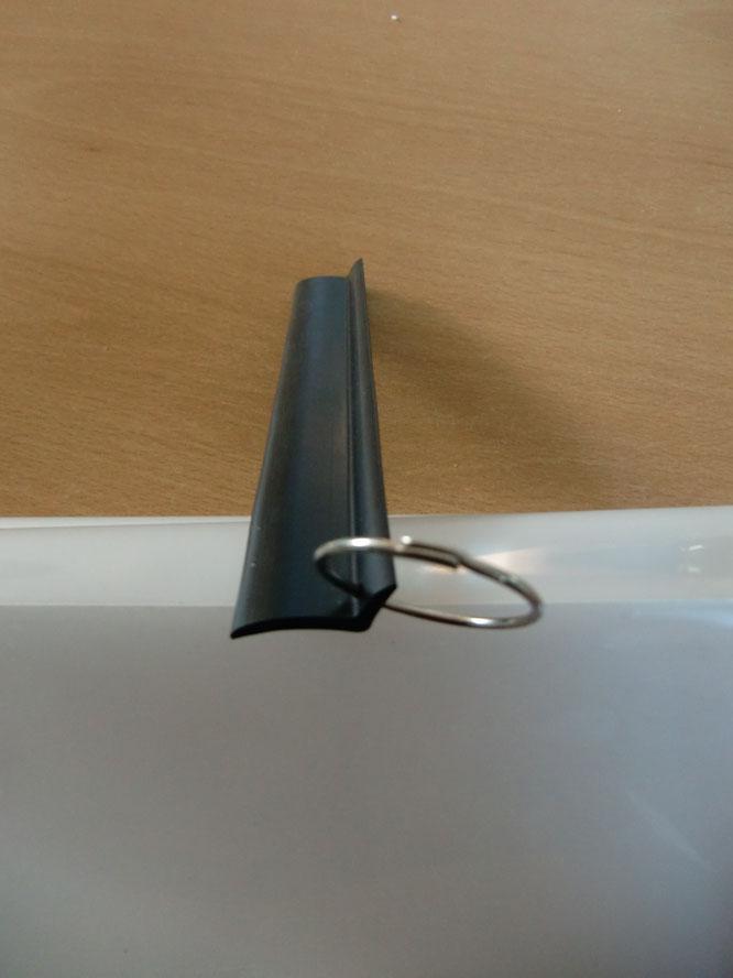 Das SG-Profil Rolladen Klapperschutz als Rolladenzubehör als Ersatzteile aus anpassungsfähigem Weichkunststoff zum Klemmen !