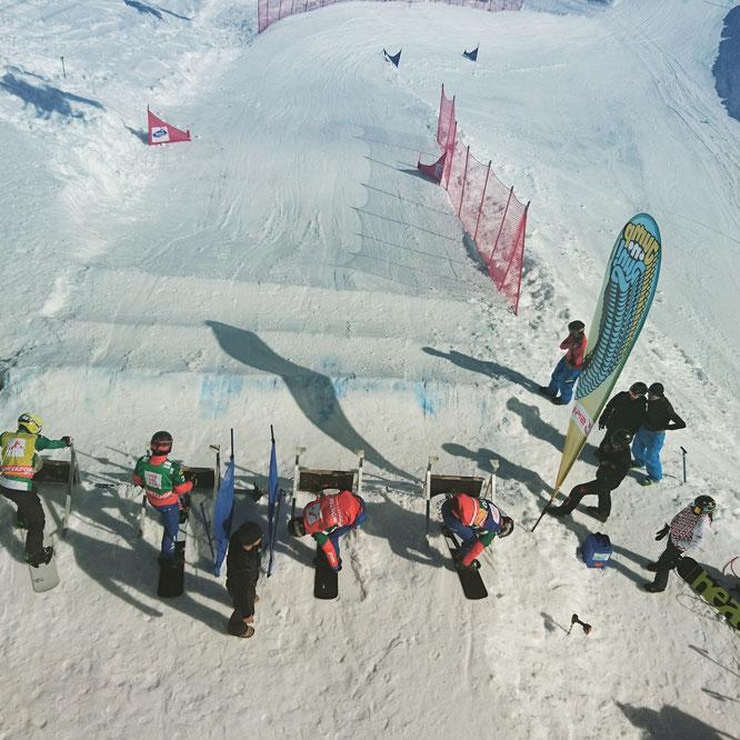 Snowboardcross race training