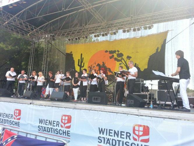 Vocalensemble Mittendrin - Gospelmesse auf der Countrybühne am Donauinselfest 2013