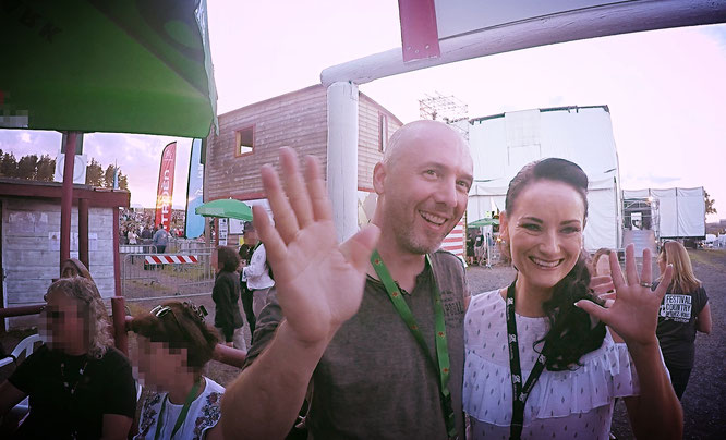 Phil G.Smith avec la chanteuse Niamh LYNN