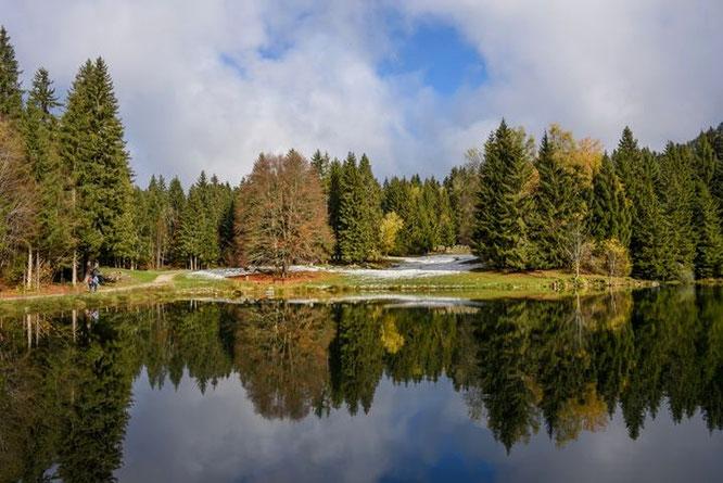 Le lac de Freydières au début du weekend. A 1150m déjà le monde de la grande nature montagnarde (photo Jean Michel Pouy, merci !)
