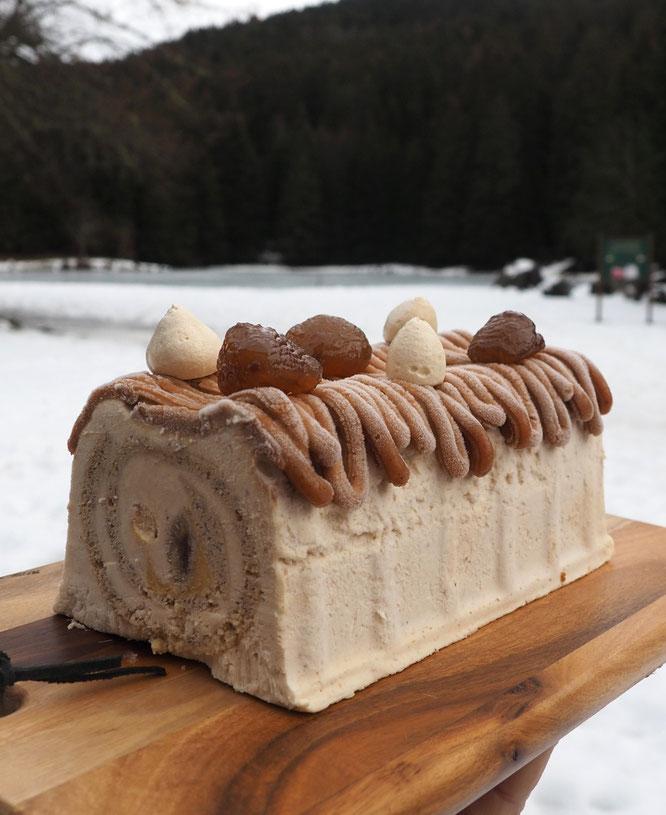 Notre bûche façon Mont-Blanc à commander à la Gélinotte pour vos repas de fin d'année (avec un clic sur la photo)