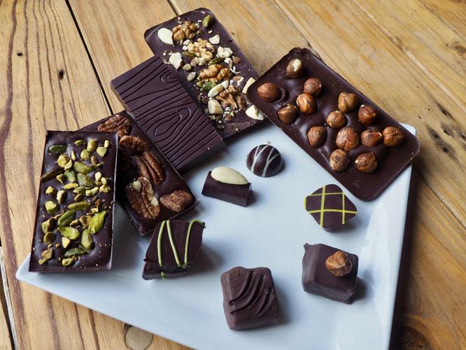 Les chocolats faits à Freydières, avec beaucoup de plaisirs et de produits bio seront bientôt disponibles à la Gélinotte. A découvrir et déguster !.