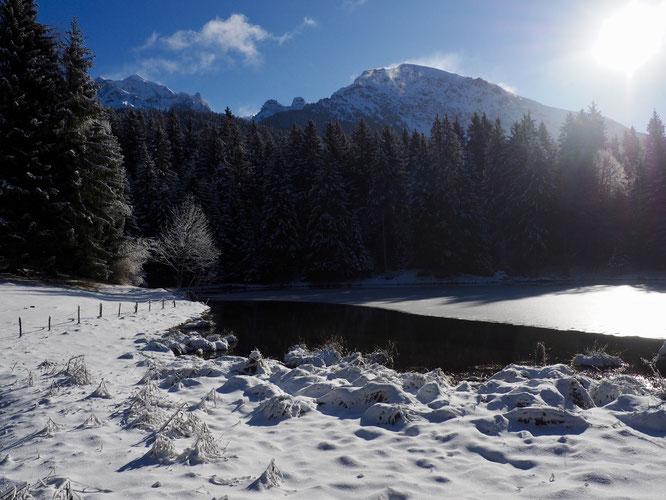Grand Colon et lac de Freydières (avec un peu de neige).
