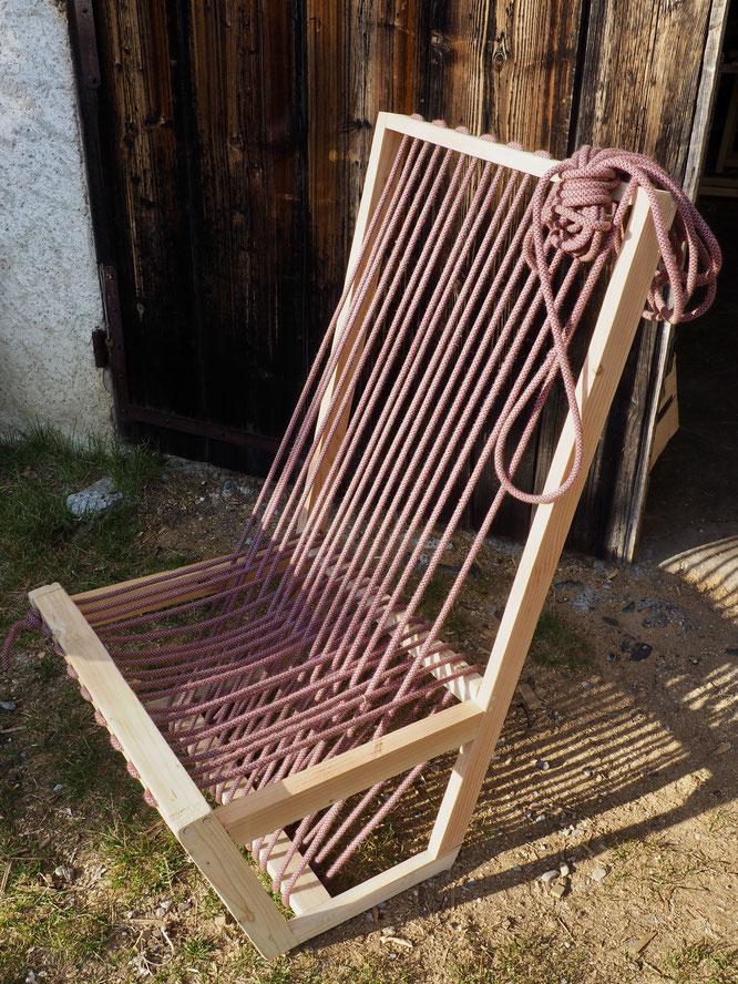 Les anciennes cordes d'escalade peuvent bien resservir... petit bricolage en confinement à la Gélinotte (merci Kolia).