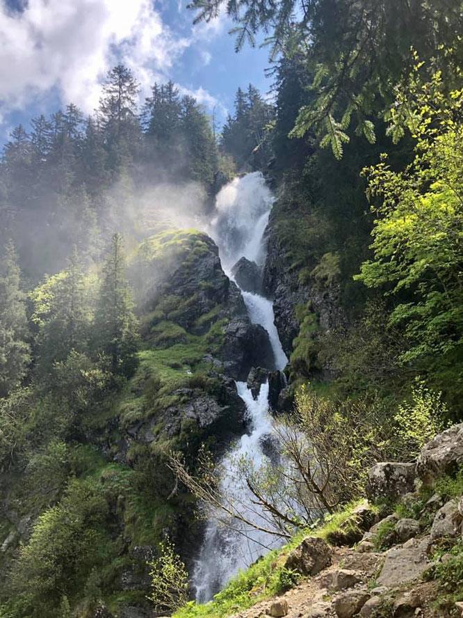 Quand il pleut en Belledonne, la cascade de l'Oursière gronde. Photo Gaëtan Michel, merci !