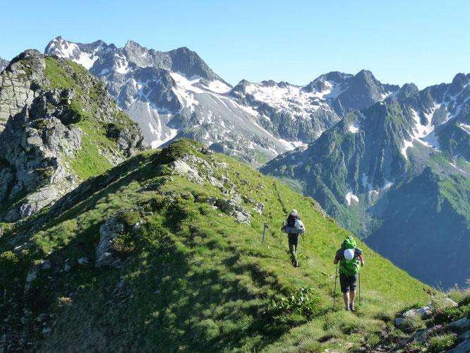 La massif de Belledonne, une haute terre de balades, d'itinérance sur plusieurs journées (et/ou de trails soutenus).