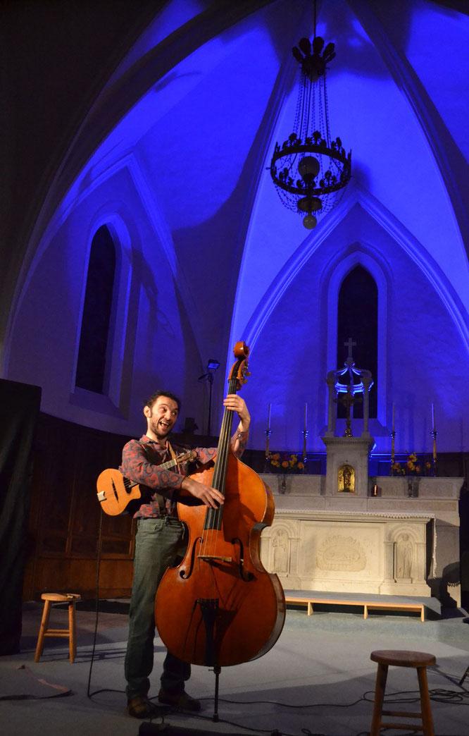 Ce soir Gigambitus... ils seront à deux musiciens (Contrebasse, Ukulélé) à la Gélinotte ! Et demain dimanche de nouveau concert (à 16h30) avec BRoy !