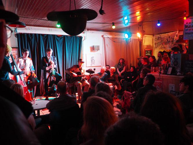 Un très grand moment de Jazz New Orléans hier soir à la Gélinotte. Merci au Canal Street Band, merci aux 100 participants c'était super !