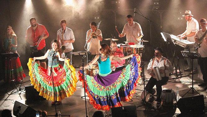 """Samedi soir ce sera Freydières sur des airs de Salsa avec """"La Papa Caliente"""" !"""