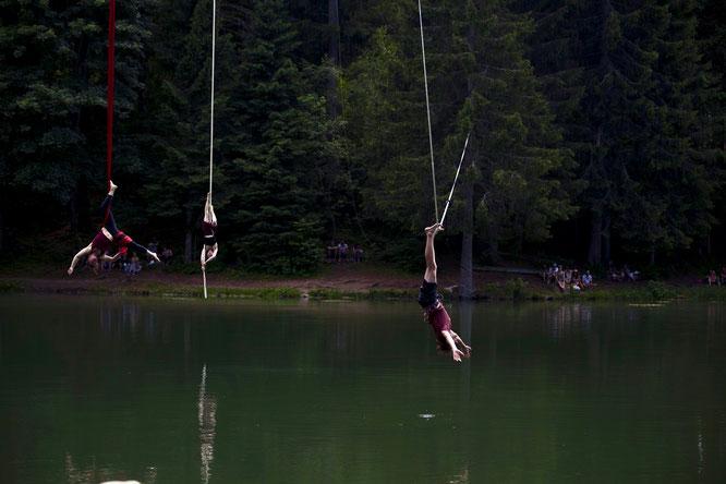 """""""Instant"""" Belledonne en Cirque juste au dessus du Lac de Freydières. Capturé en photo par Kolia. Merci. Juillet 2019 avec 1800 participants dans le weekend."""