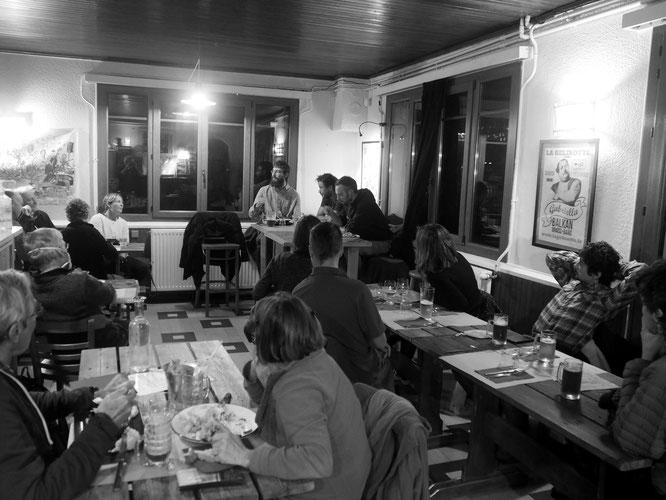 Hier vendredi soir, ils ne voulaient plus partir de la Gélinotte ! Avec les bergers, une rencontre  passionnante (voir le billet ci-dessus)