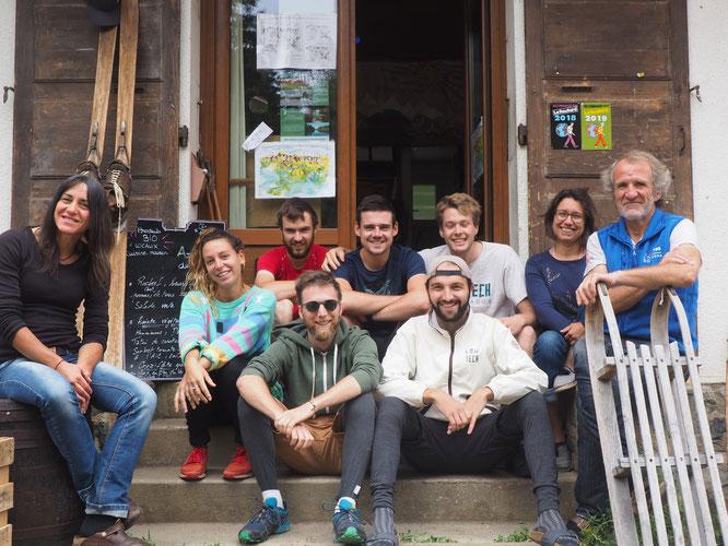 """Une partie du """"Low Tech Lab"""" de Grenoble avec une partie de l'équipe de la Gélinotte. Merci à vous pour vos engagements, votre créativité. On continue (voir billet ci-dessus)."""