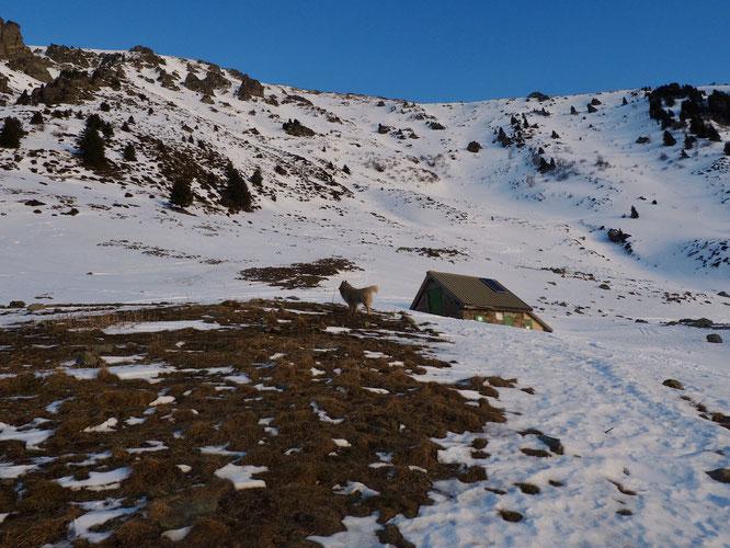 """Le célèbre """"entonnoir"""" du Grand Colon (Belledonne) entre 1700 et 2000m en versant ouest au dessus de la cabane du berger. Vivement l'hiver !"""