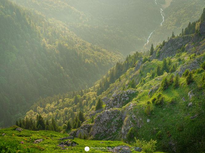 Belledonne, ses lacs, ses torrents,ses forêts. Merci Alain Doucé pour la photo.
