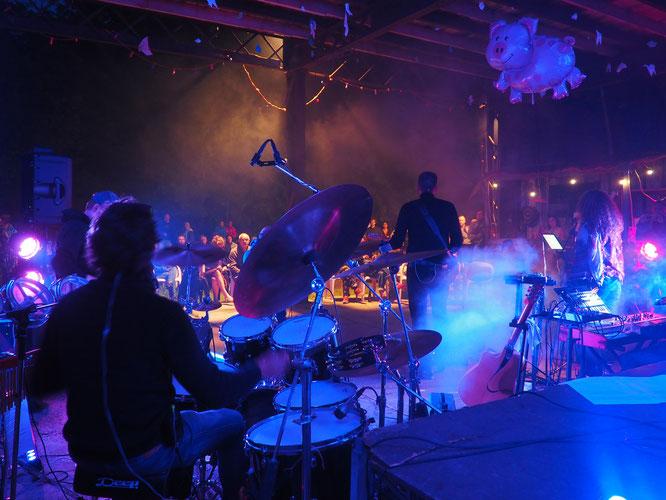Samedi soir les Pink Floyd étaient les invités de la Gélinotte. Un grand concert de Floyd Side. Merci à eux !