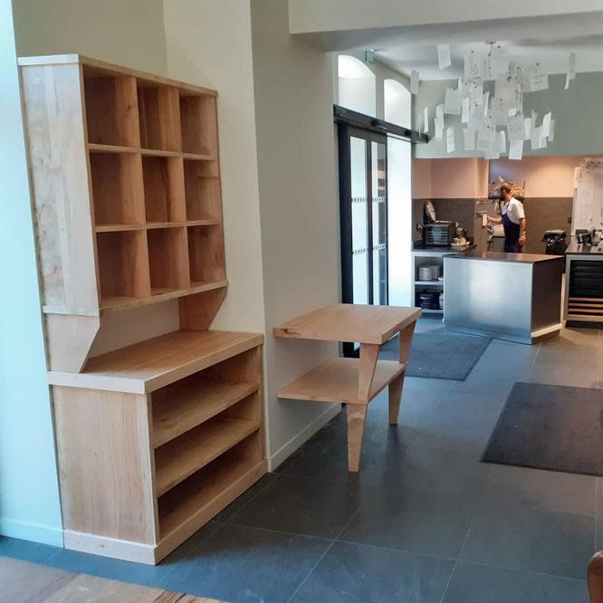 Nouveau vaisselier réalisé par l'Atelier des Rescapés et installé à la Maison Aribert de St Martin d'Uriage (voir billet ci dessus).