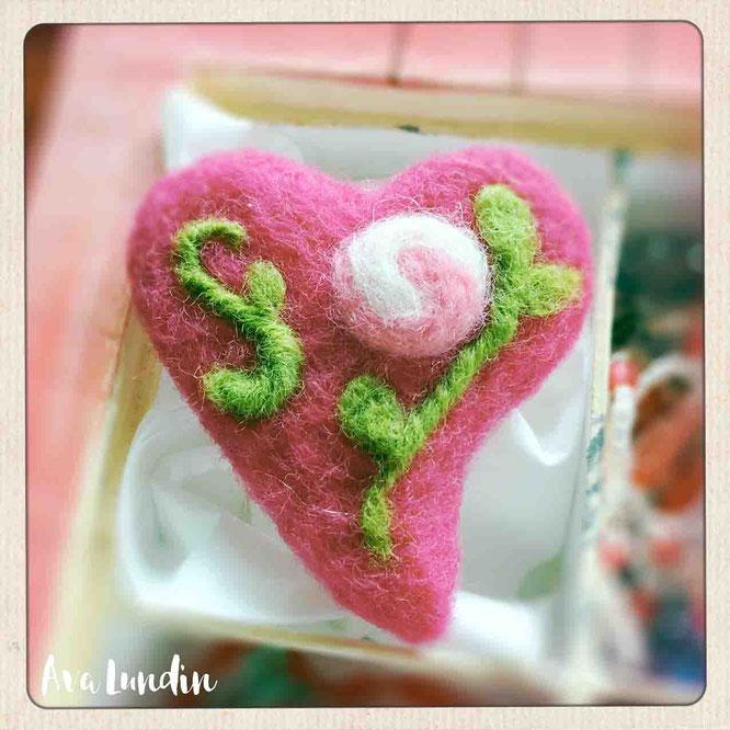 Herz Brosche aus Filz