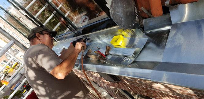 Schilderwerk kozijnen ramen en deuren houtrot herstellen HR++ isolatieglas plaatsen