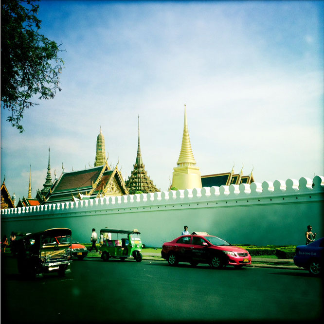 taxi vor königspalast
