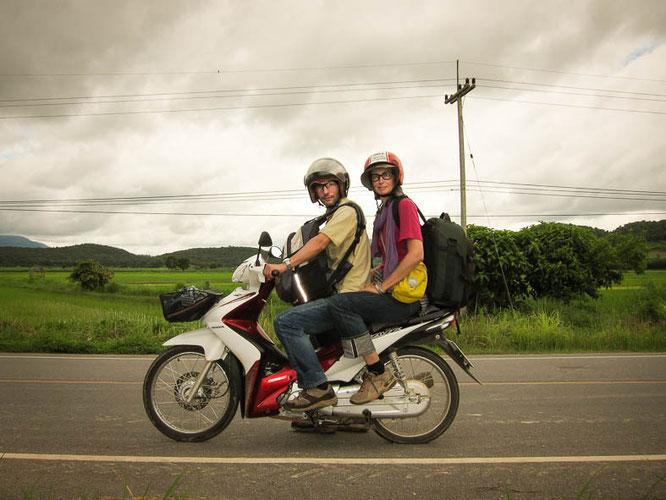mopedfahren in thailand