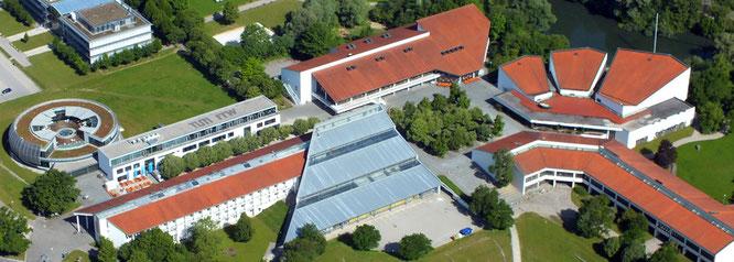Einige Gebäude des WZW, darunter die Bibliothek, die Mensa, das Zentrale Hörsaalgebäude und das Praktikumsgebäude