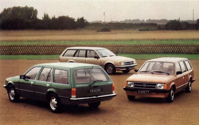 Rekord Caravan Luxus. Heckscheibenwischer und 2.0 S-Motor sind Sonderausstattung. Commodore Voyage und Kadett Caravan Luxus.