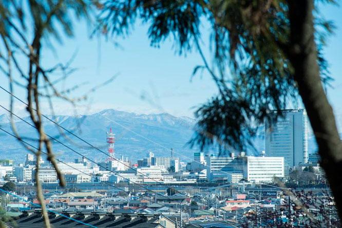高崎駅からカフェへ向かう(写真撮影:矢郷 桃)