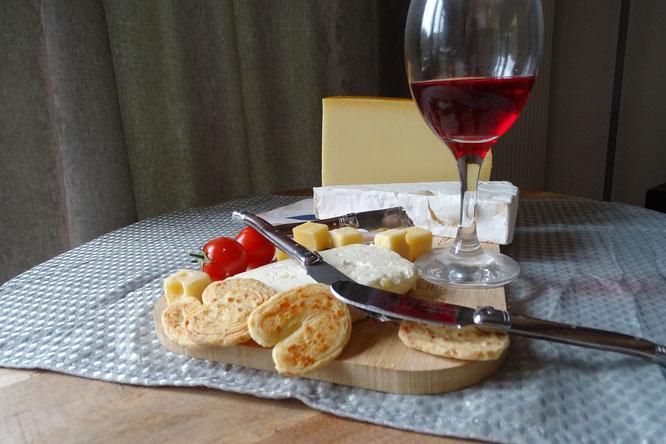 Laguiole kasasmessen het ideale mesje voor de kaas