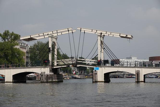 Varen bij de Magere Brug te Amsterdam