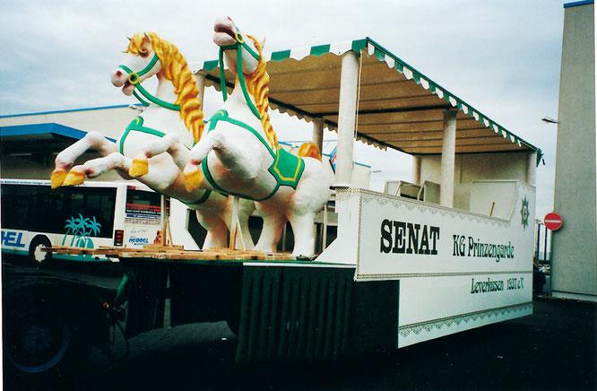 2001 baut der Senat einen Senatswagen