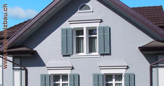 grosse und kleine Fassaden sollten regelmässi geprüft werden defekte Teile ersetzen wir Dani Vogt D. Vogt Holzbau.ch, CH 8855 Wangen SZ