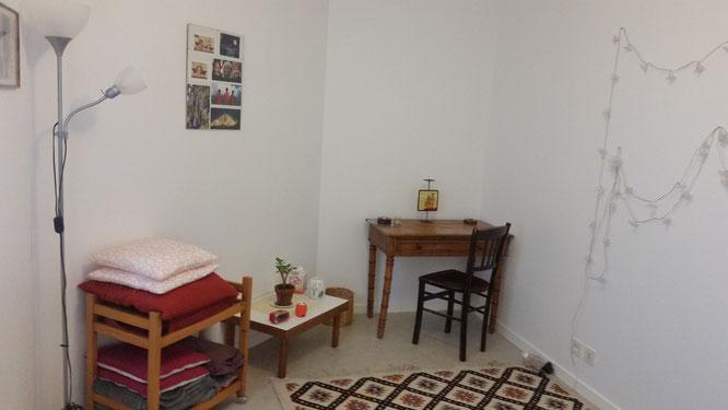 Salle pour les consultations en shiatsu, massage, sophrologie, aide psychologique, diététique, réflexologie plantaire