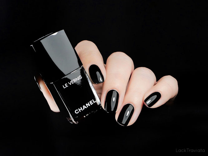 CHANEL • PURE BLACK 713 • Noir et Blanc de CHANEL Collection (fall 2019)