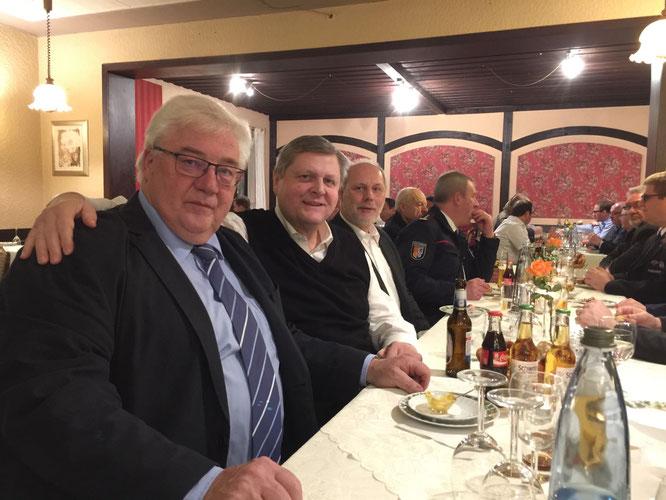 Ortsvorsteher Norbert Rauber mit Hermann Scharf und Reiner Burkholz