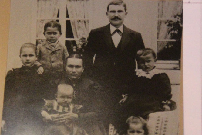 Johann Scherer mit Frau Maria und Kinder