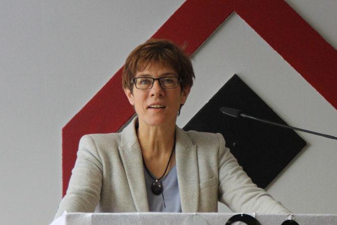 Ministerpräsidentin des Saarlandes: Annegret Kramp-Karrenbauer
