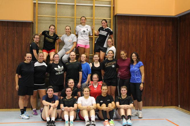 1. und 2. Mannschaft der Frauen, DJK