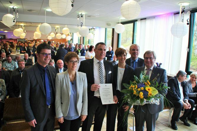 Bürgermeister Andreas Veit, Annegret Kramp-Karrenbauer, Bürgermeister Stephan Rausch mit Frau Marianne, Landrat Udo Recktenwald, Michael Maurer