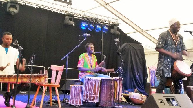 Afrikanische Band Djembe Afrika