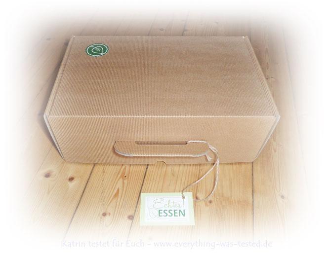 Geschenkkarton in Kofferform (recyclebar ohne Plastik)