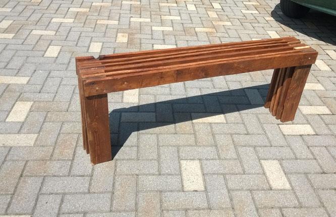 Panchina - realizzata con assi di bancali riutilizzati