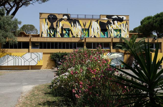 PAC180 (in alto dipinto di Giorgio Bartocci 2015, in basso dipinto di Money Less 2011)