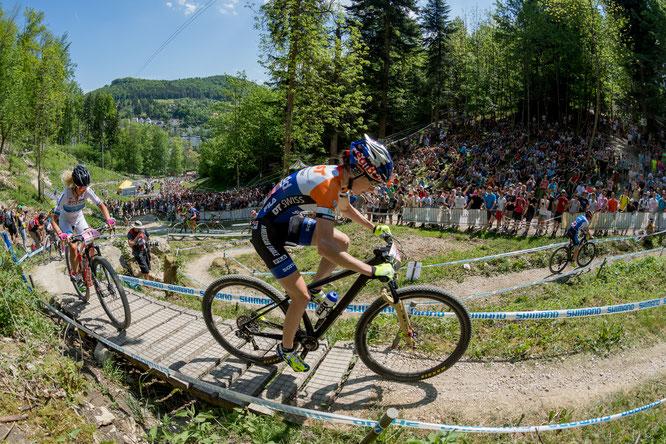 ©Dobslaff /Damen-Rennen 2017 mit Yana Belomoina und Jolanda Neff (in weiß)