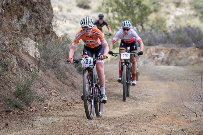 Anna van der Breggen vor Annika Langvad beim Afxentia Etappen-Rennen 2018 ©Sebastian Sternemann/EGO-Promotion