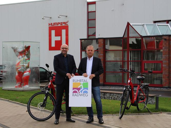 Foto: links Axel Biermann Geschäftsführer Ruhr Tourismus GmbH und rechts Willi Humpert Geschäftsführer Wilhelm Humpert GmbH & Co. KG