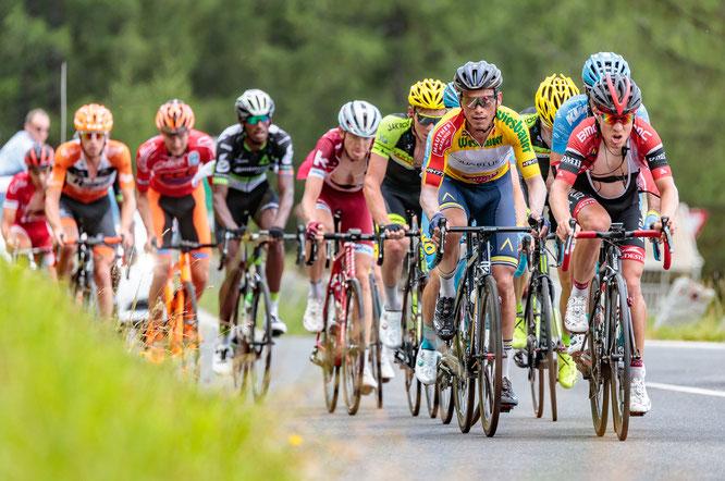 Pernsteiner bei der letzten Ö-Tour ganz rechts neben Gesamtsieger Stefan Denifl / Copyright: Expa Pictures