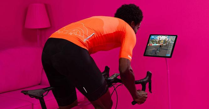 Trendthema e-Cycling als Auftakt zur neuen Talk- und Bewegtbild-Serie der EUROBIKE ©Zwift Inc