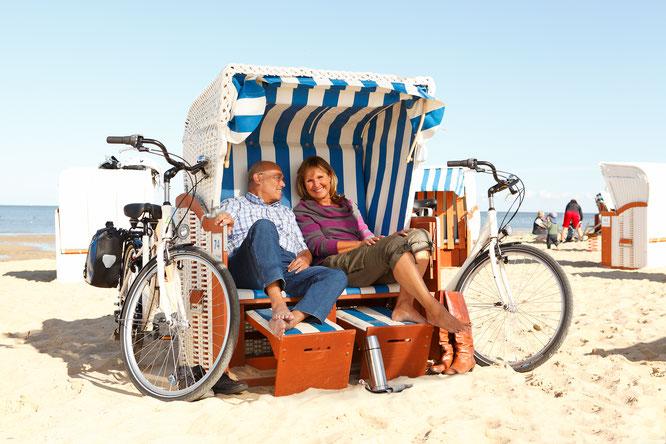 Entspannen im Strandkorb an der Ostsee ©Die Landpartie